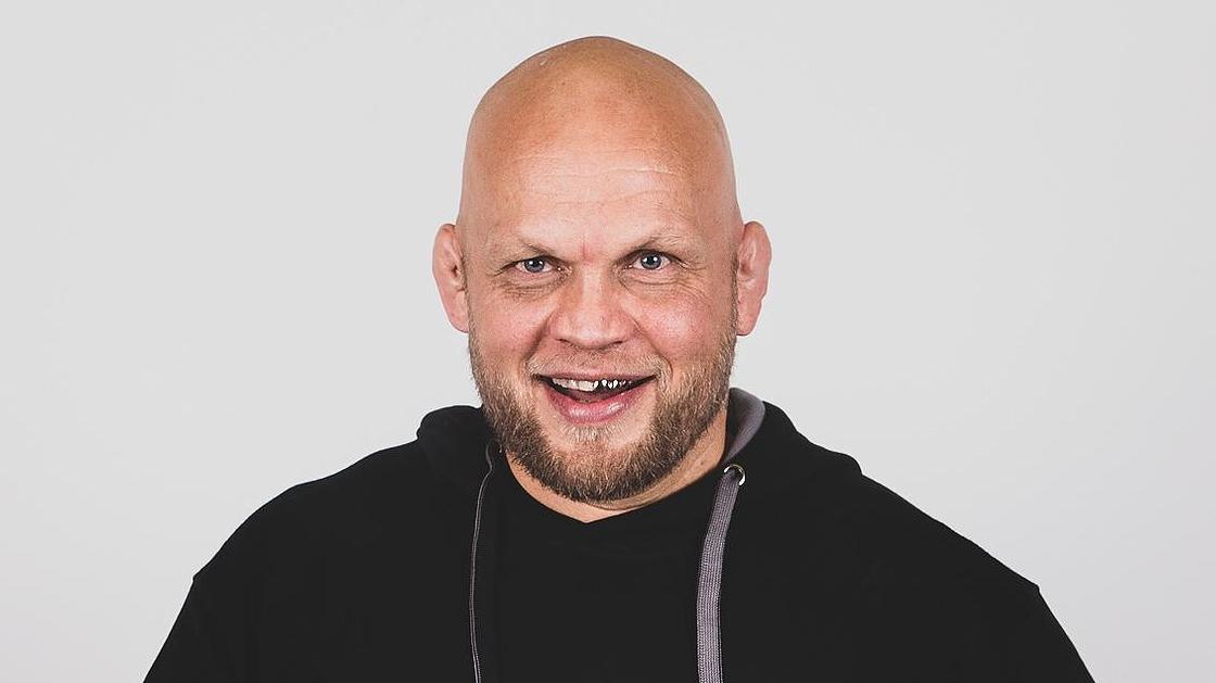 Mika Ilmen Kirja