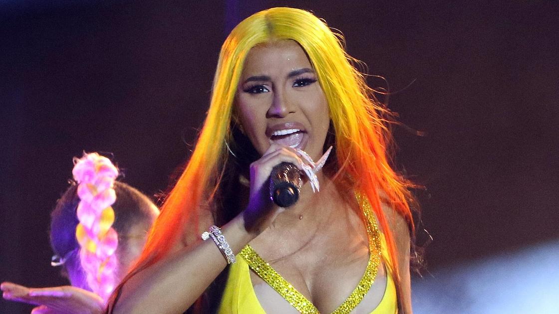 WAP-kappaleen musiikkivideolla huimat kustannukset - Cardi B paljasti...